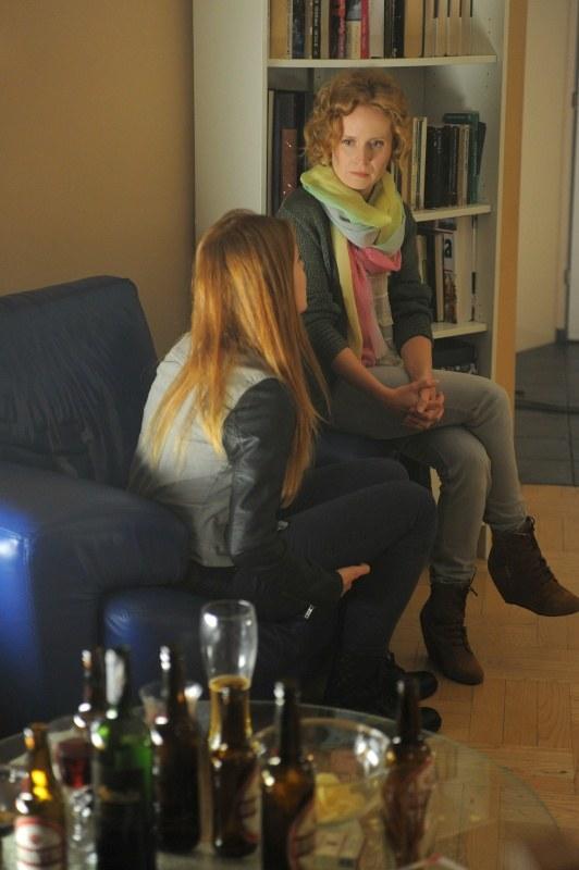 Anna poprosi Ewę, by zaopiekowała się Ulą w Warszawie... /Agencja W. Impact
