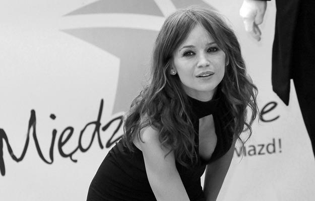 Anna Przybylska w 2012 roku odsłoniła swą gwiazdę w Alei Gwiazd w Międzyzdrojach /AKPA