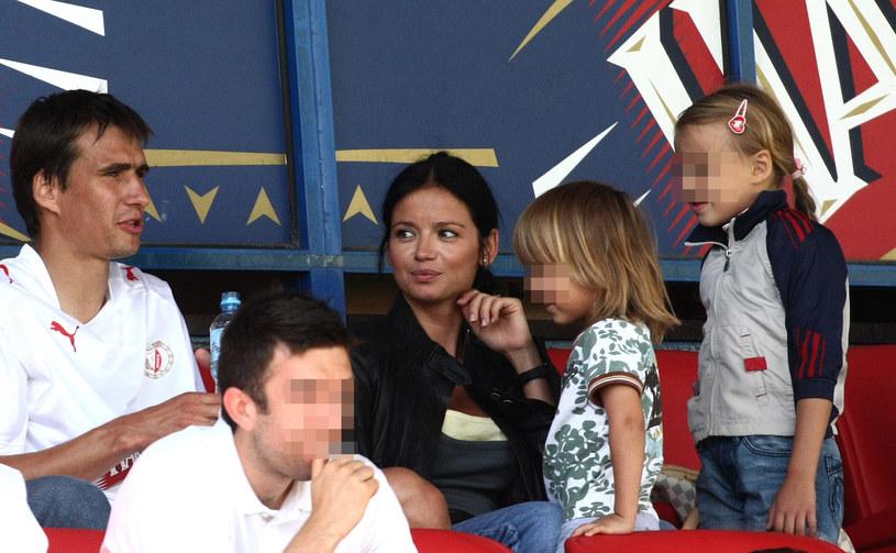 Anna Przybylska z dziećmi i Jarosławem Bieniukiem - 2009 r. /Michał Tuliński /Agencja FORUM