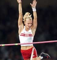 Anna Rogowska podczas jednego ze skoków w konkursie olimpijskim /AFP