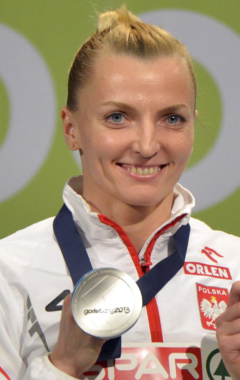 Anna Rogowska ze srebrnym medalem halowych ME /Adam Warżawa /PAP