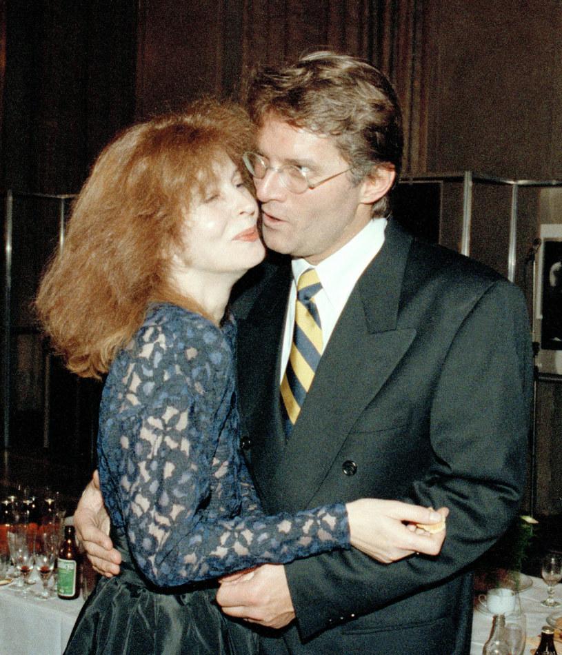 Anna Romantowska i Krzysztof Kolberger podczas ceremonii rozdania Wiktorów (1991) /Maciej Billewicz /East News