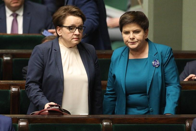 Anna Zalewska i Beata Szydło /Tomasz Jastrzębowski /Reporter
