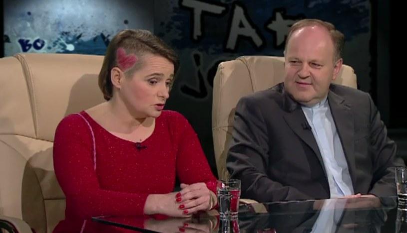Anna Zawadzka i ksiądz Kazimierz Sowa /TVN24