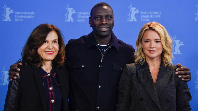 "Anne Fontaine, Omar Sy oraz Virginie Efira podczas promocji filmu ""Nocny patrol"" /JOHN MACDOUGALL /AFP/East News"