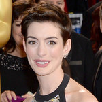 Anne Hathaway przyszła na Oscary z… piersiówką!