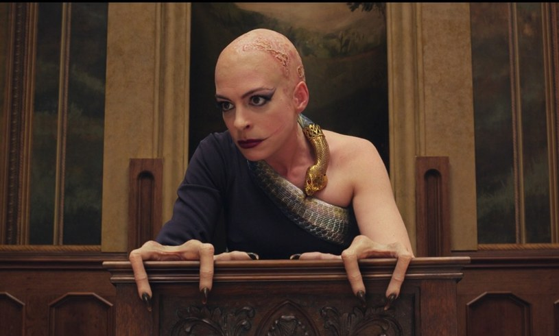 "Anne Hathaway w filmie ""Wiedźmy"" /HBO"
