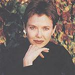 Annette Bening i nożyczki