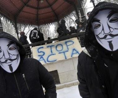 Anonimowi wyłączą internet?