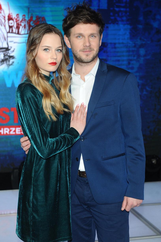 Antek Królikowski i Kasia Sawczuk byli bardzo medialną parą /VIPHOTO /East News