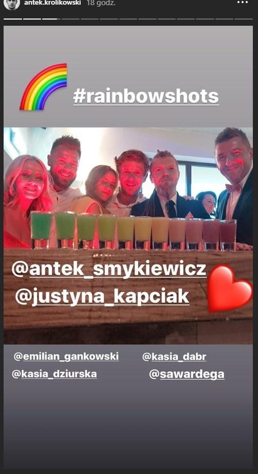 Antek Królikowski z dziewczyną Kasią na ślubie Antka Smykiewicza /Instagram/Antek Królikowski /Instagram