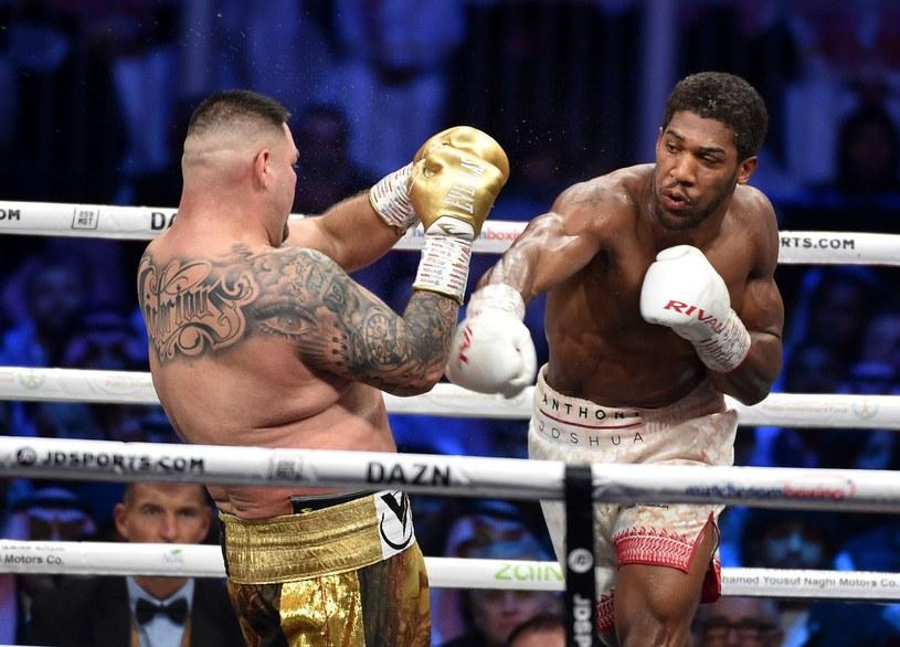 Anthony Joshua w pojedynku z Andym Ruizem jr /AFP