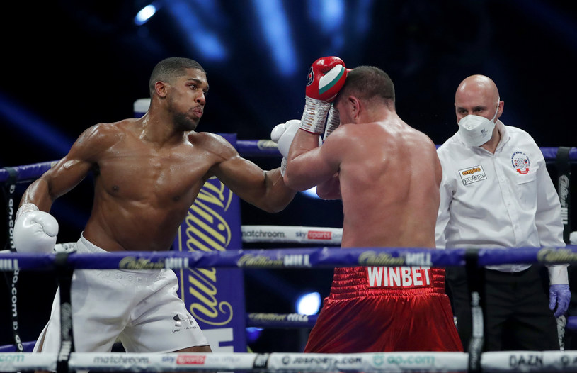 Anthony Joshua w walce z Kubratem Pulewem /Getty Images