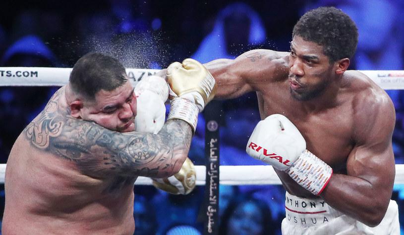 Anthony Joshua (z prawej) w walce z Andym Ruizem juniorem /Walery Szarifulin /Getty Images