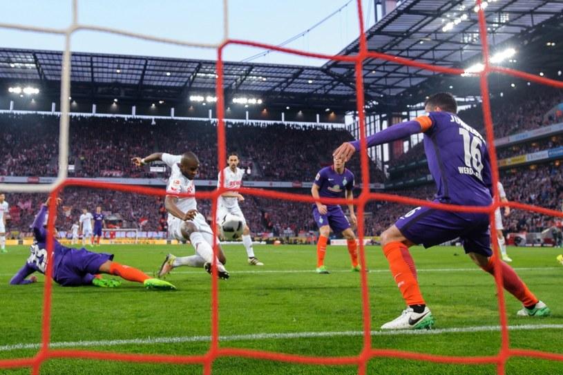 Anthony Modeste strzela gola dla FC Koeln /PAP/EPA
