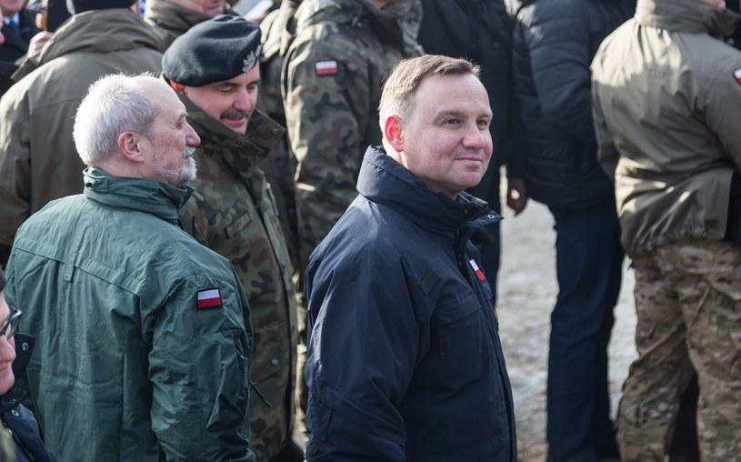 Antoni Macierewicz i Andrzej Duda /Krzysztof Kaniewski/REPORTER /East News