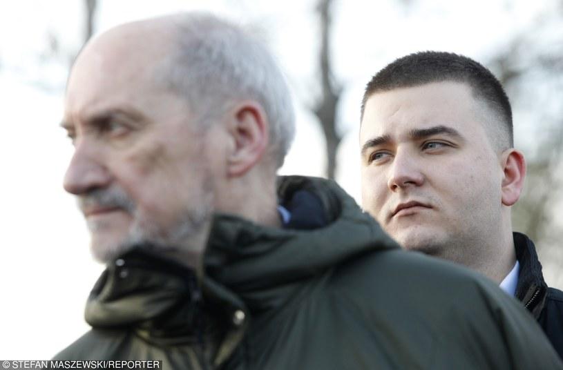 Antoni Macierewicz i Bartłomiej Misiewicz /Stefan Maszewski /Reporter