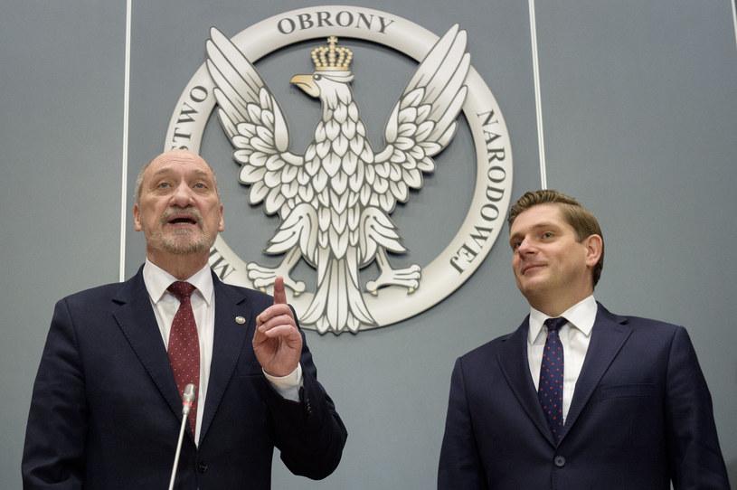 Antoni Macierewicz i Bartosz Kownacki /Jacek Domiński /East News