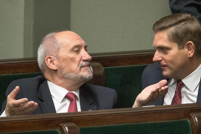 Antoni Macierewicz i Bartosz Kownacki /Andrzej Iwańczuk /Reporter