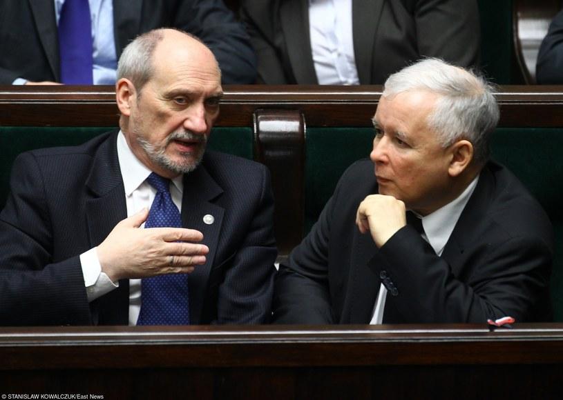 Antoni Macierewicz i Jarosław Kaczyński /STANISLAW KOWALCZUK /East News