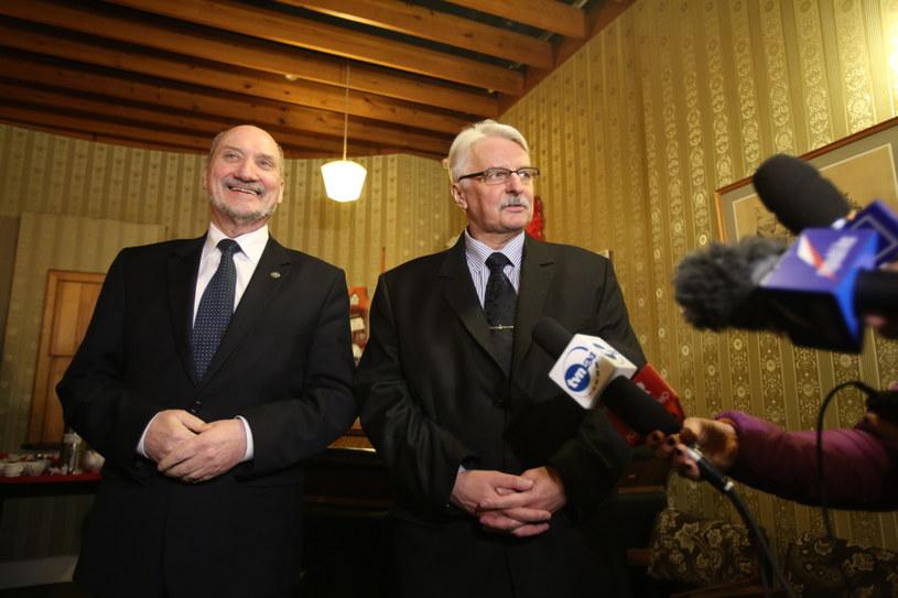 Antoni Macierewicz i Witold Waszczykowski w Edynburgu /Leszek Szymański /PAP