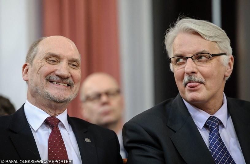 Antoni Macierewicz i Witold Waszczykowski /Rafał Oleksiewicz /Reporter