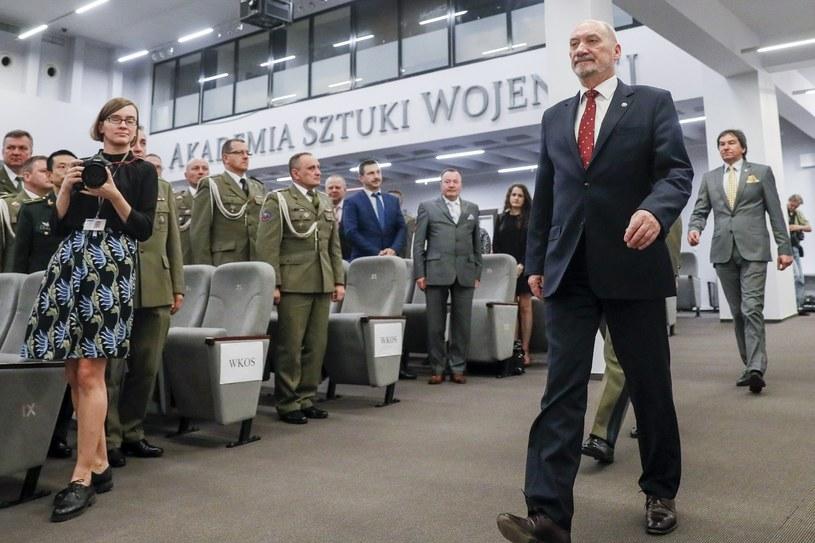 Antoni Macierewicz w Akademii Sztuki Wojennej /East News