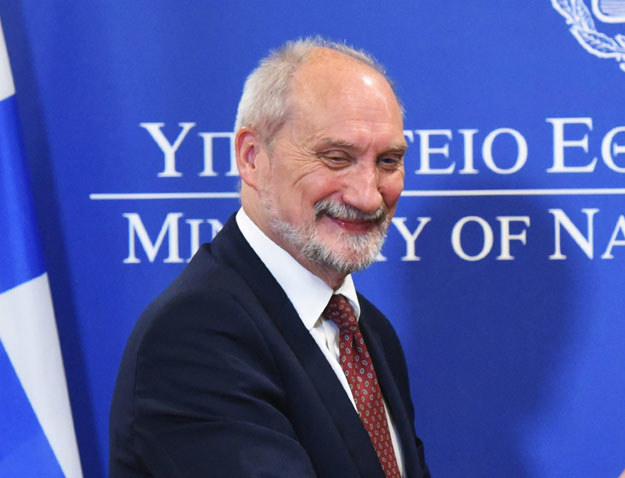 Antoni Macierewicz w Grecji /GREEK MINISTRY OF DEFENCE / PRESS OFFICE /PAP/EPA