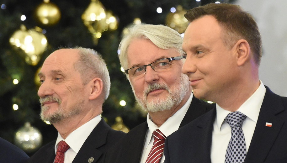 Antoni Macierewicz, Witold Waszczykowski i Andrzej Duda /Radek Pietruszka /PAP