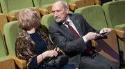 Antoni Macierewicz z żoną na jubileuszu Jana Pietrzaka