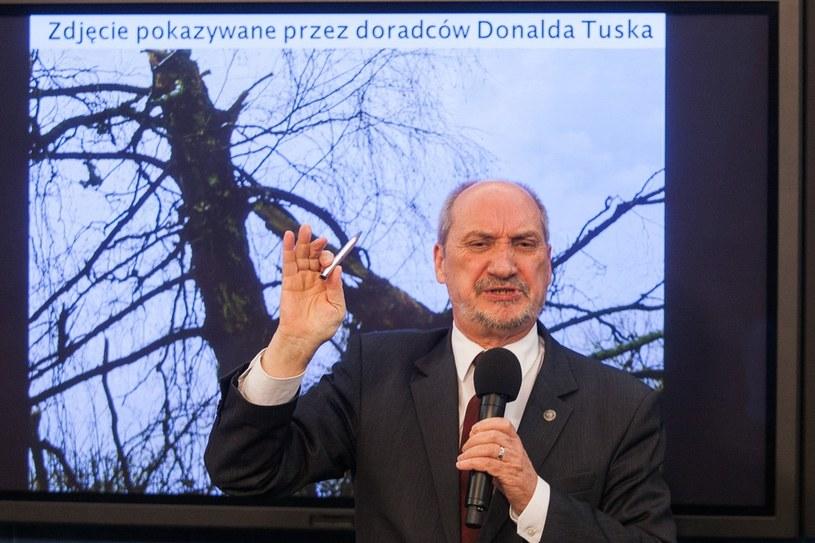 Antoni Macierewicz /Piotr Grzybowski /Agencja SE/East News