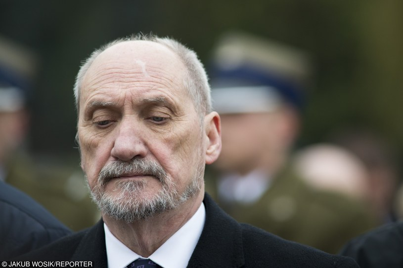 Antoni Macierewicz /Jakub Wosik  /Reporter