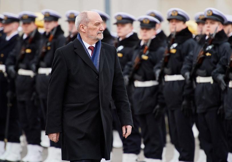 Antoni Macierewicz /Adam Warżawa /PAP