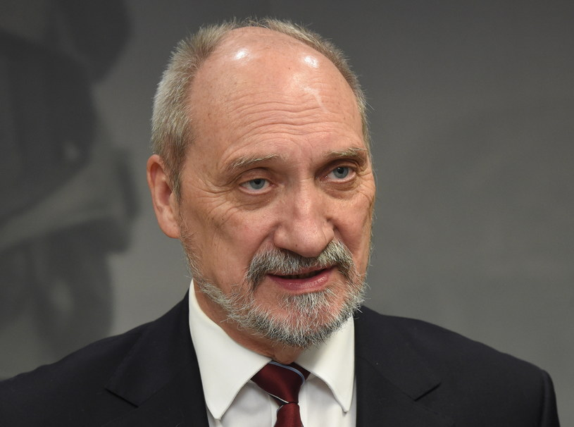 Antoni Macierewicz /Radek Pietruszka /PAP