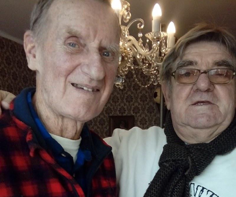 Antoni Nieroba (z lewej) został wyróżniony przez działaczy i kibiców Polonii Bytom. Fot. poloniabytom.com /