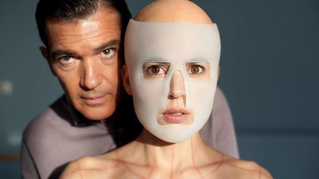 Antonio Banderas wcieli się w nowym filmie Almodovara w postać chirurga plastycznego /Internet