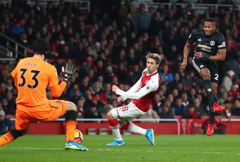 Antonio Valencia zdobywa bramkę dla Manchesteru United /PAP/EPA