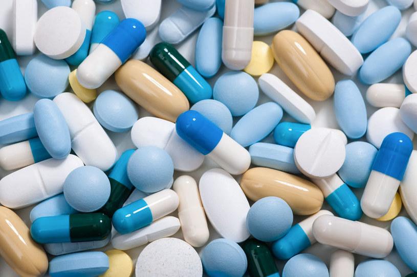 Antybiotyki i inne leki /©123RF/PICSEL