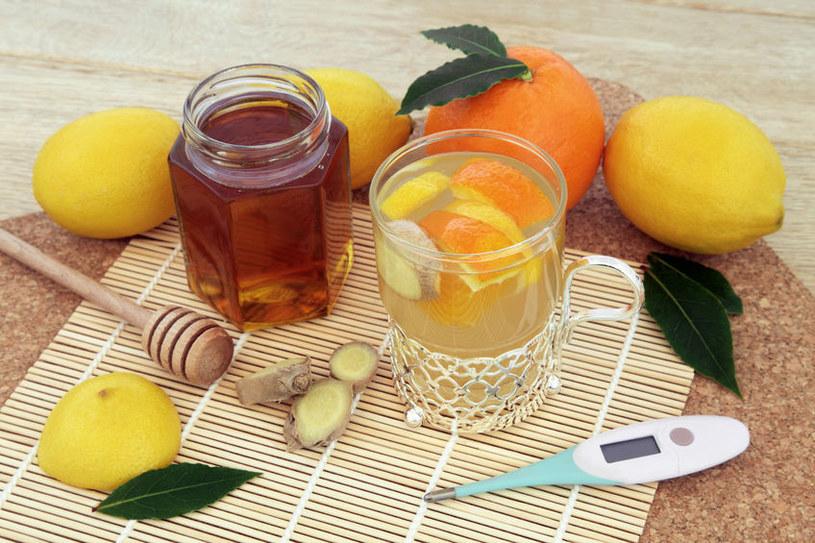 Antygrypina z pomarańczą /©123RF/PICSEL