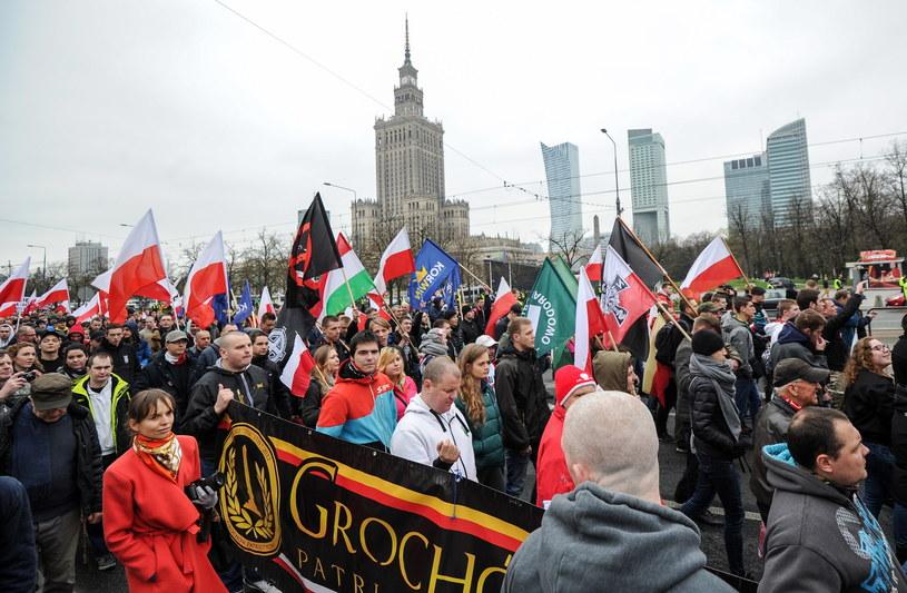 Antyimigrancki marsz w Warszawie /Marcin Obara /PAP