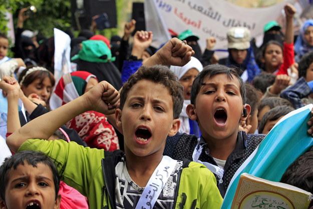 Antysaudyjski protest w Jemenie /YAHYA ARHAB /PAP/EPA