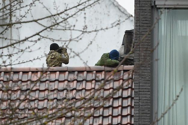 Antyterroryści w czasie kacji w Brukseli /AFP