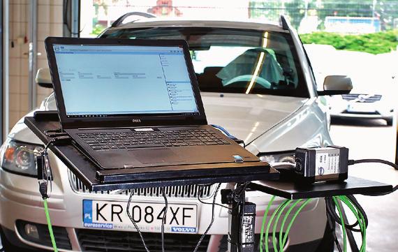 Aparatura diagnostyczna z ASO pozwala na pełną ocenę stanu auta. /Motor
