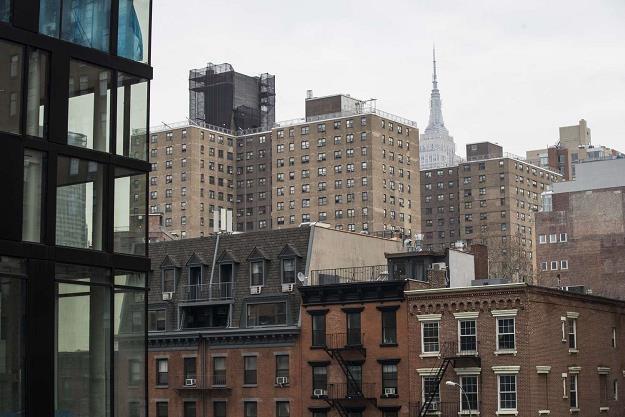 Apartamenty wszędzie sprzedają się doskonale /AFP
