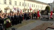 Apel smoleński przed Pałacem Prezydenckim