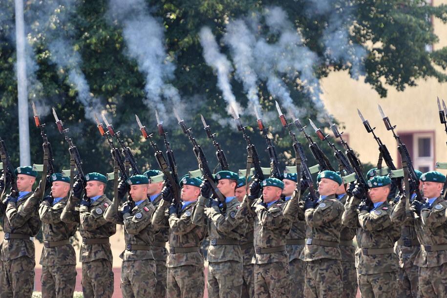 Apel z okazji święta Wojska Polskiego / Marcin Bielecki    /PAP