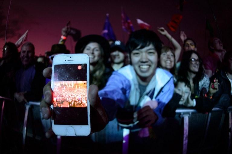 Aplikacja dla smartfonów Apple  ma ułatwić wyszukiwanie słów w nagraniach audio /AFP