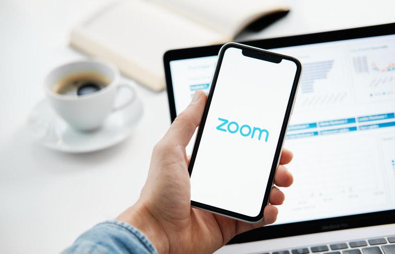 Aplikacja Zoom - jej twórcy są obecnie wycenieni na około 38 mld dolarów. Firma ma jednak coraz większe problemy z cyberbezpieczeństwem /123RF/PICSEL