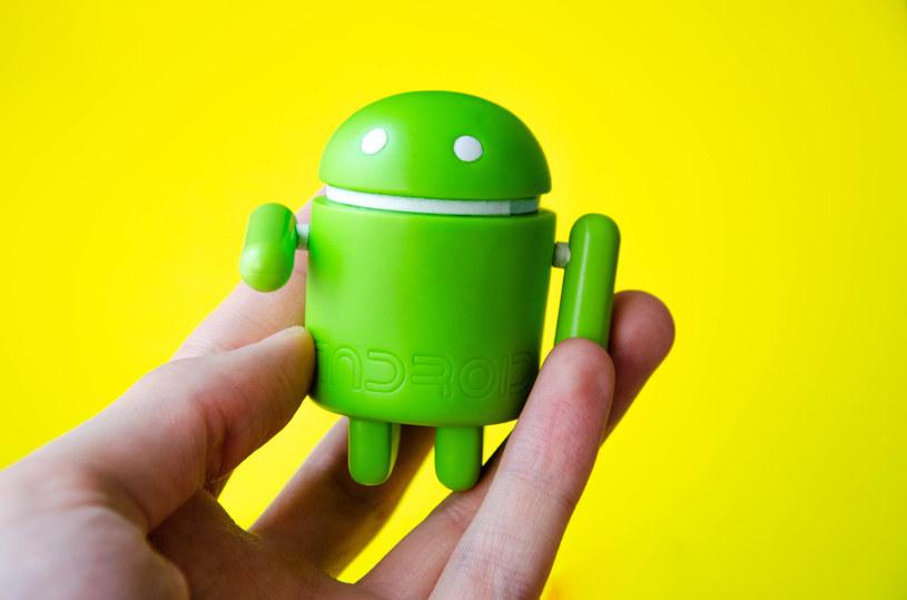 Aplikacje na Androida mają problem z działaniem /123RF/PICSEL