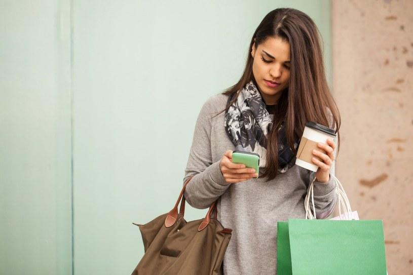Aplikacje zakupowe pomagają w oszczędzaniu /123RF/PICSEL